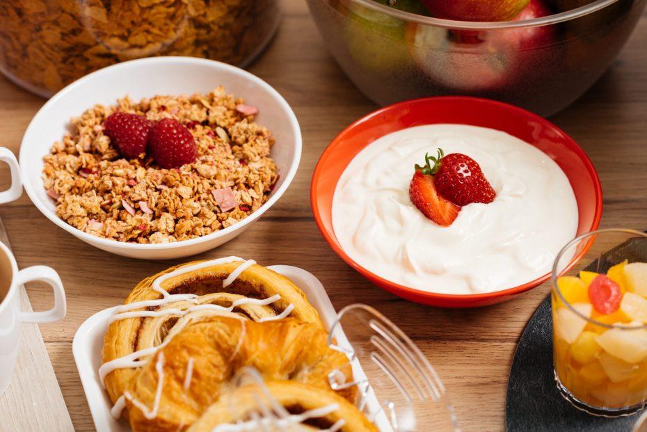 Breakfast Buffet in Bowls