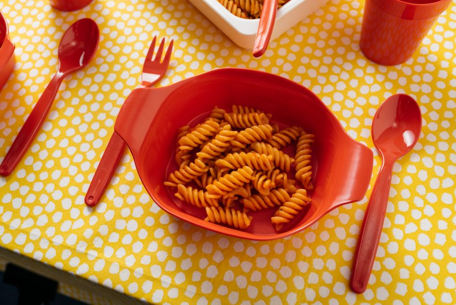Red Multidish with Pasta Portion