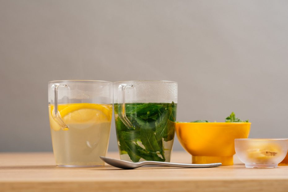 Lemon and Mint Tea in Clear Mugs with Handle