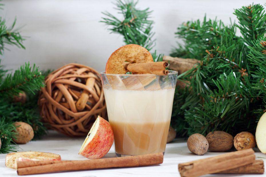 Cinnamon Apple Cocktail in a Diamond Whisky Glass