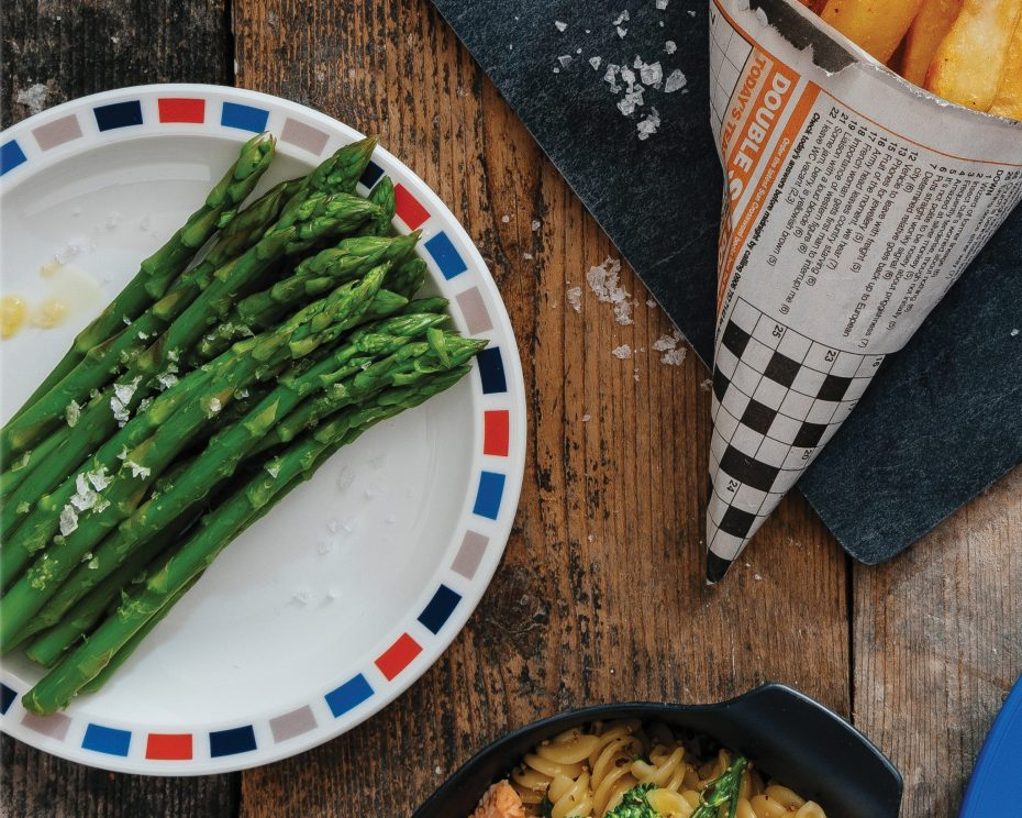 Asparagus pm a blue and red rectangle plate