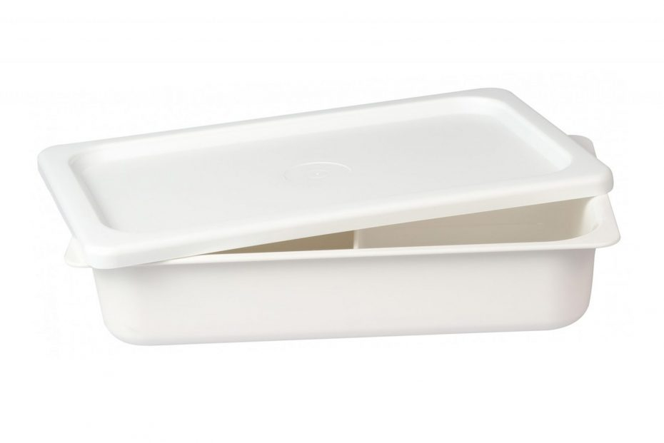 Deep Dish with Lid in White