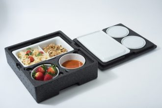 500ml White Speckle Bowl with Food in a Isothermal Box